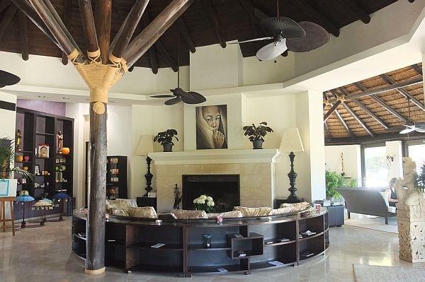 Shanti-Som-lounge.jpg