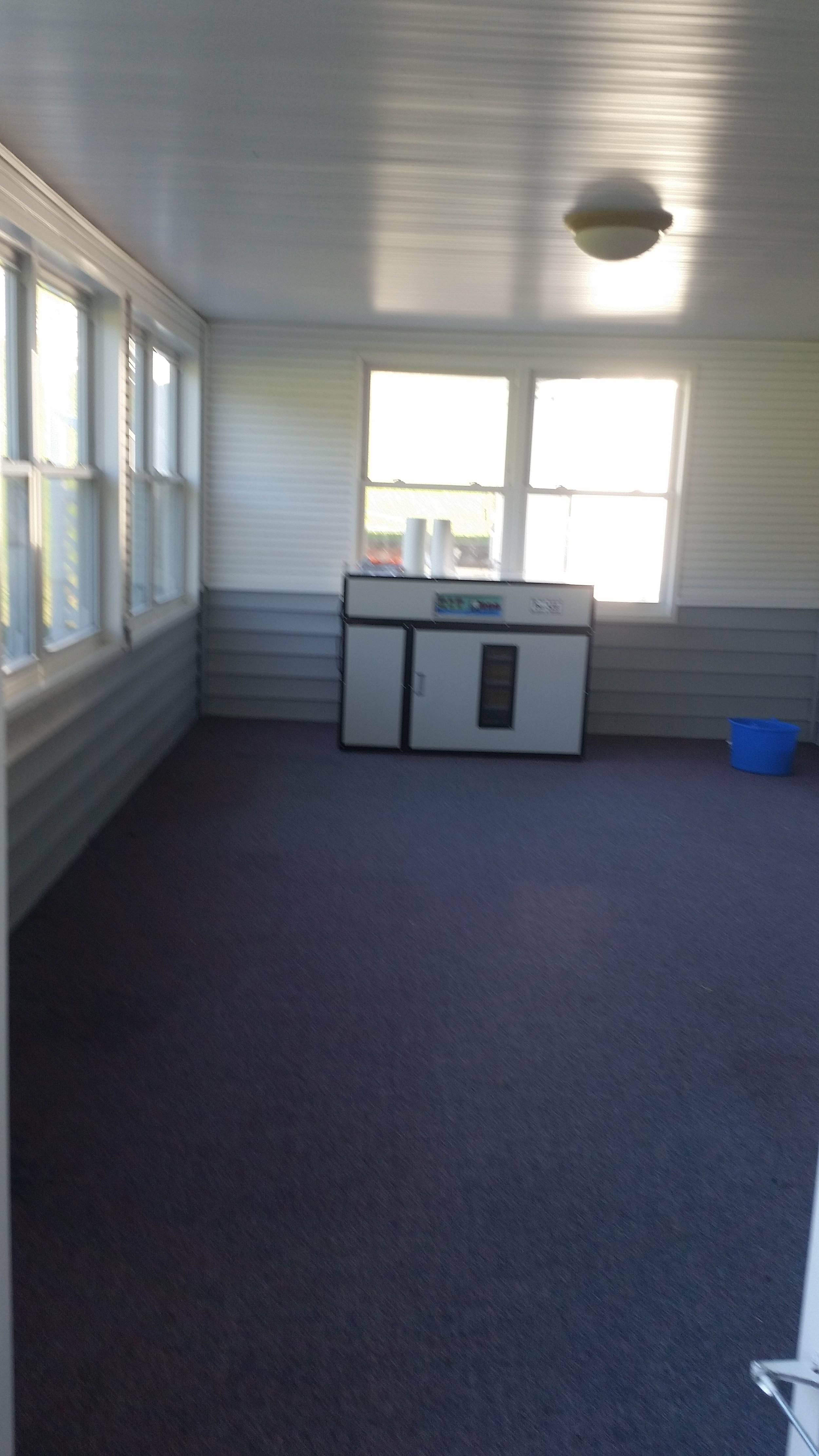 The empty chick room! The incubator looks small with everything else put up in storage. All quiet until January.