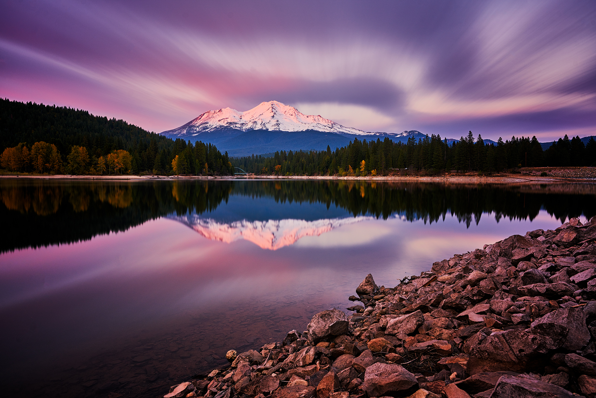 Mount Shasta as seen from Lake Siskiyou