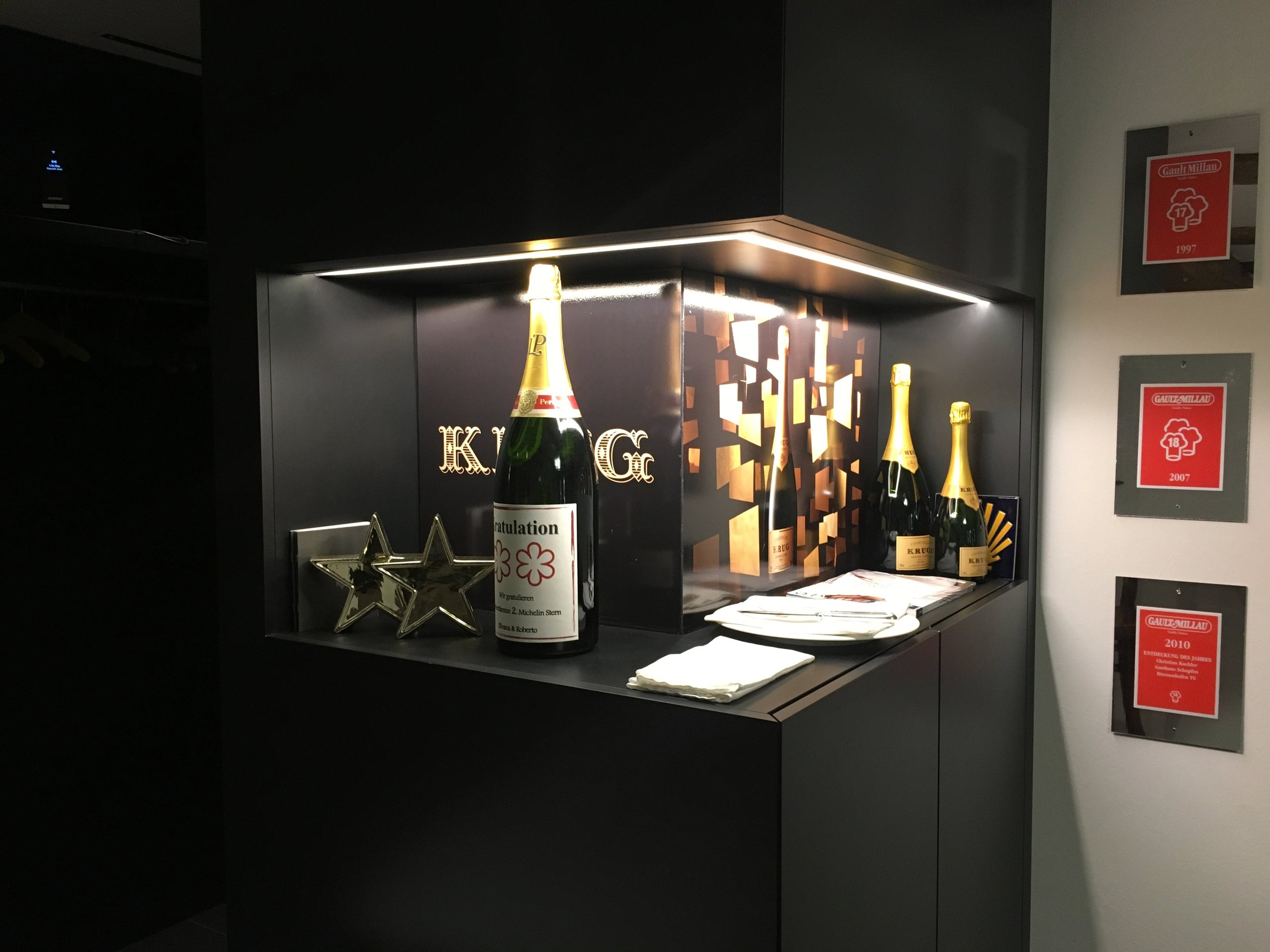 When entering, the two stars greet you with a magnum bottle of Krug