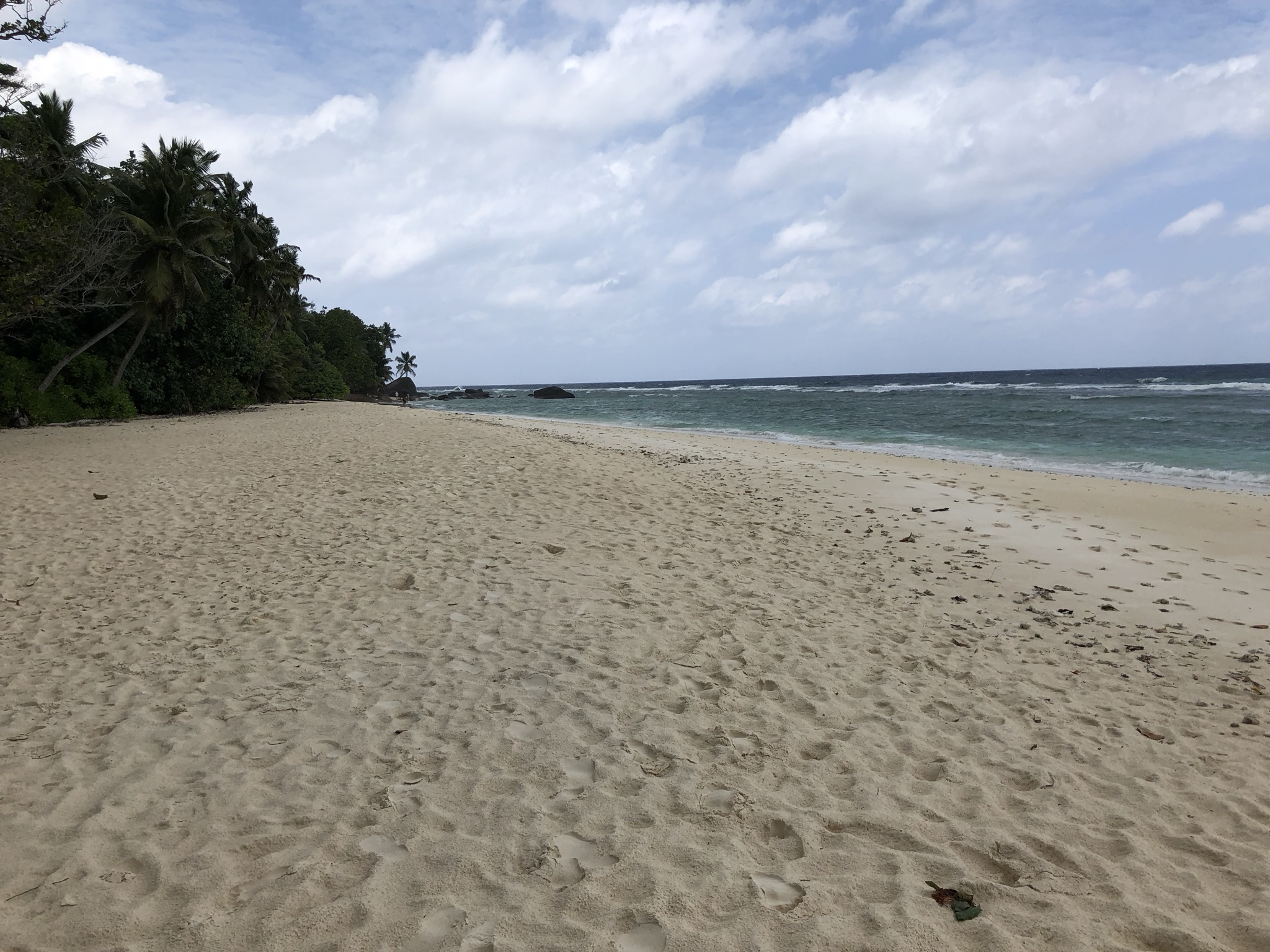 This huge beach was directly at the Silhouette Estate but open for all guests (still empty :))
