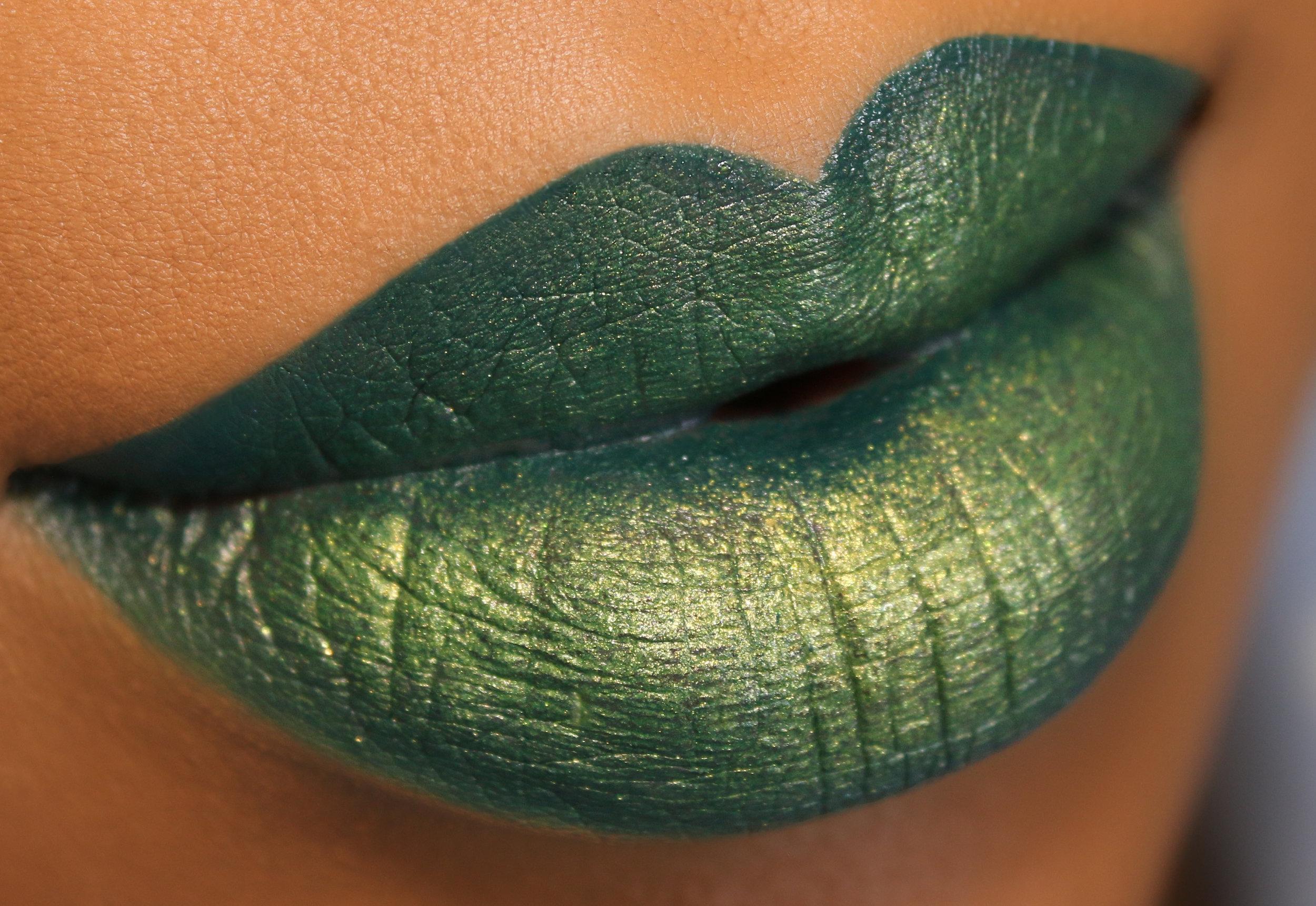 Maybelline Lip Kit Snakebite Closer.jpg