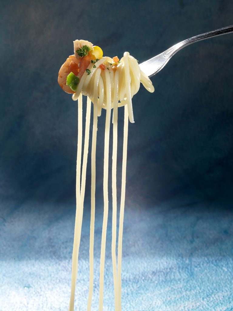GASTRONOMIA-Espagetti-en-tenedor-768x1024.jpg