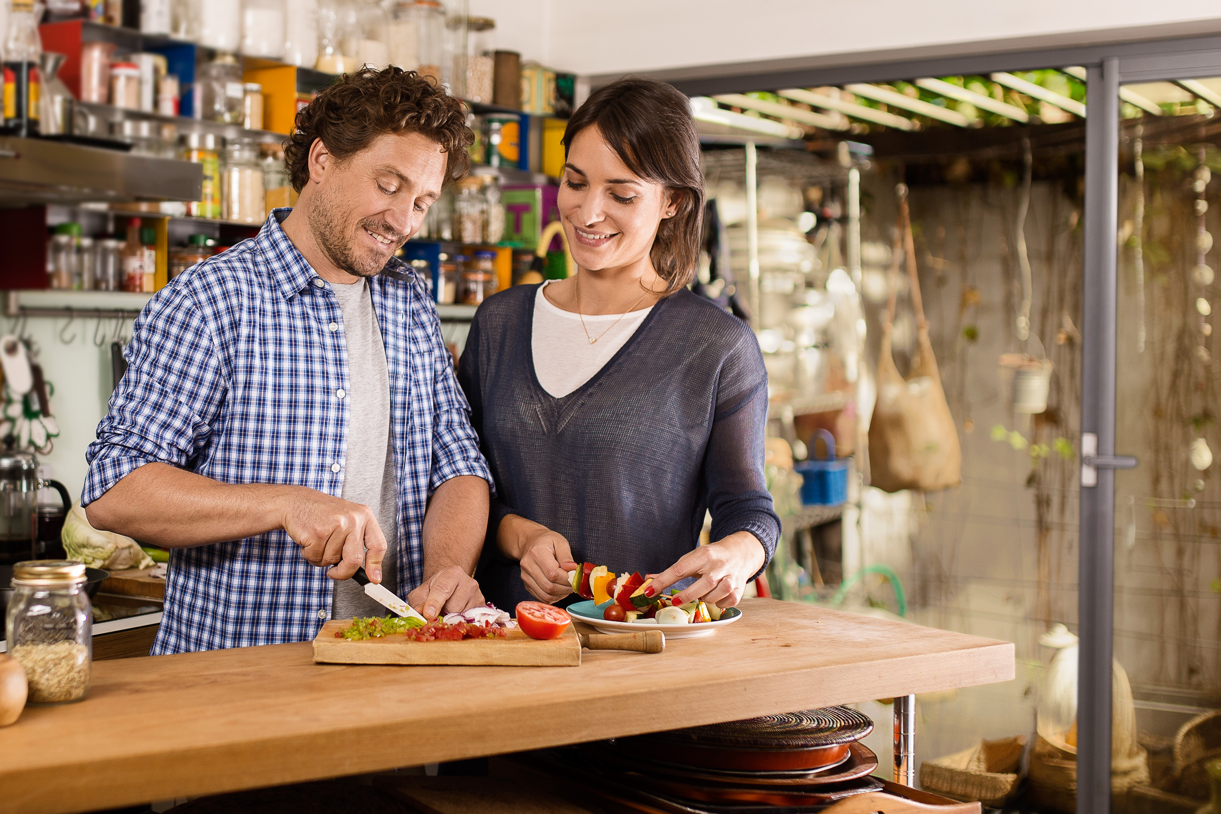Pareja-Cocina-RGB-ALTA.jpg