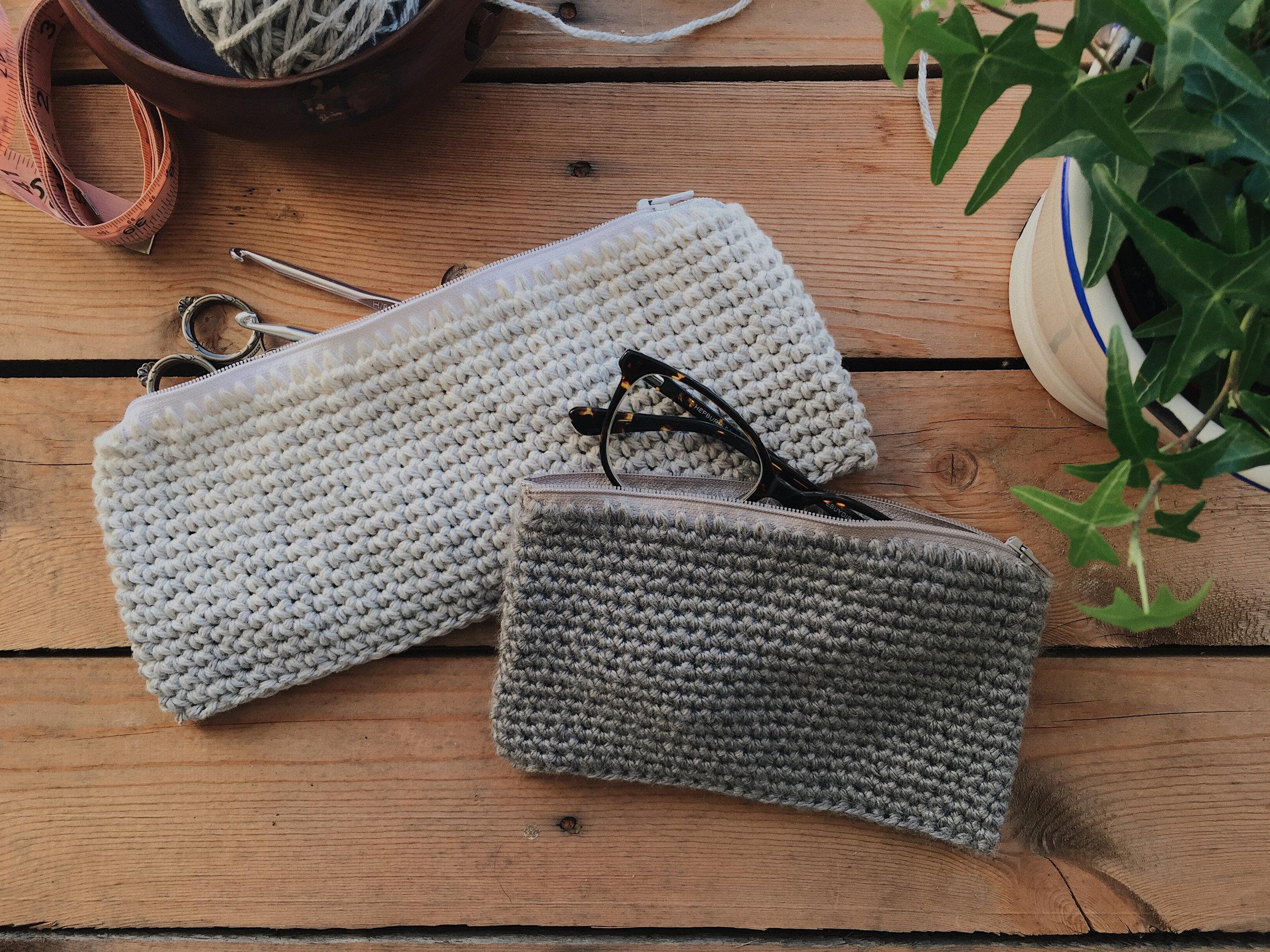 crochet zippered pouch
