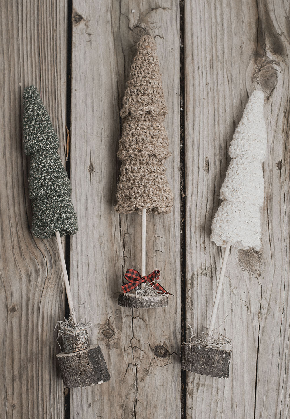 Rustic Christmas Tree Crochet Pattern - Megmade with Love