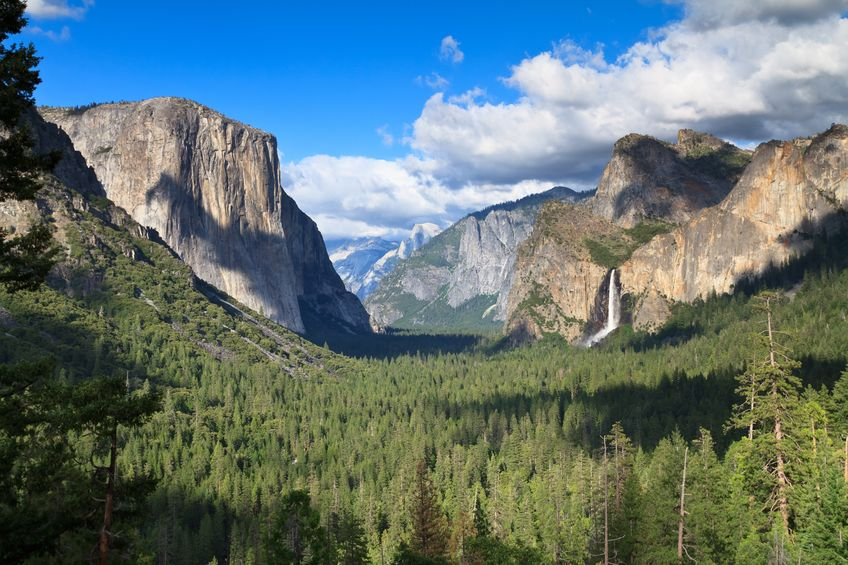 Tunnel View overlooks the wonders of Yosemite Valley