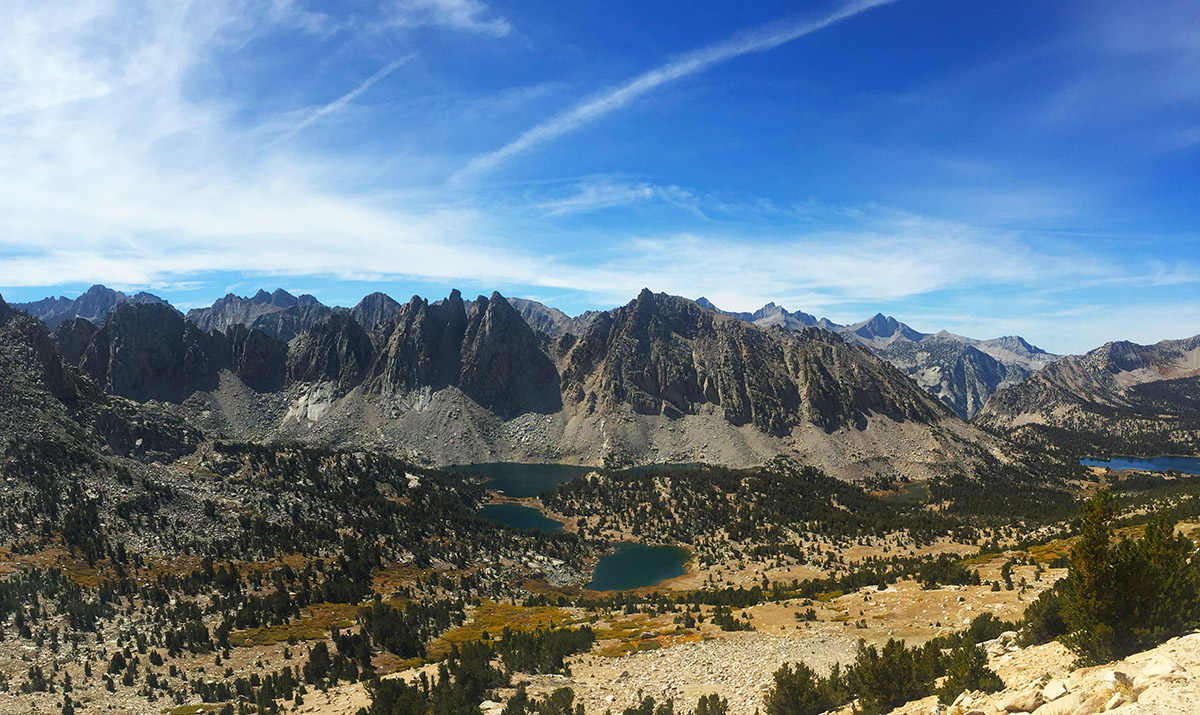 The view over Kearsarge Pass looking into Kings Canyon National Park