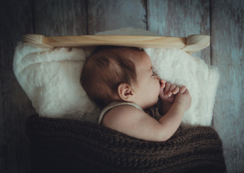SMALL 4 Baby sleep at 2 months - how to help the baby get better sleep.jpg