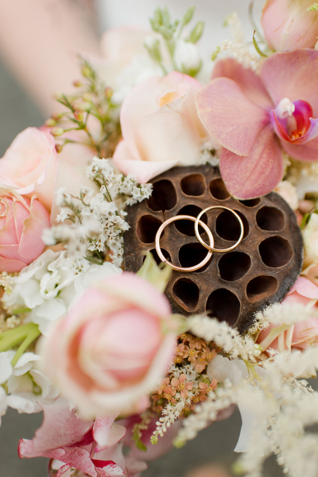 Elopement rings in bridal bouquet