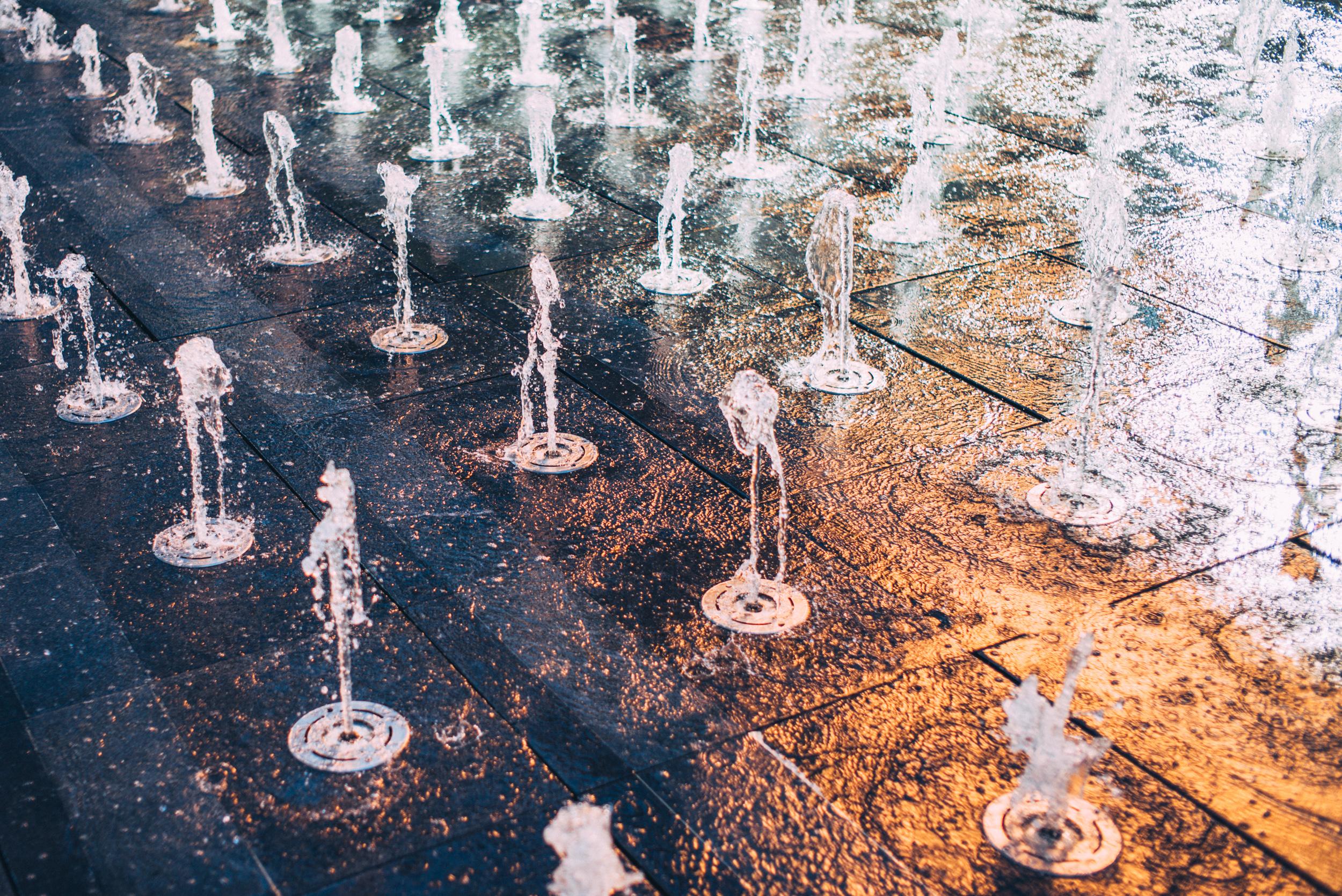 JH2589_fountain-installation.jpg