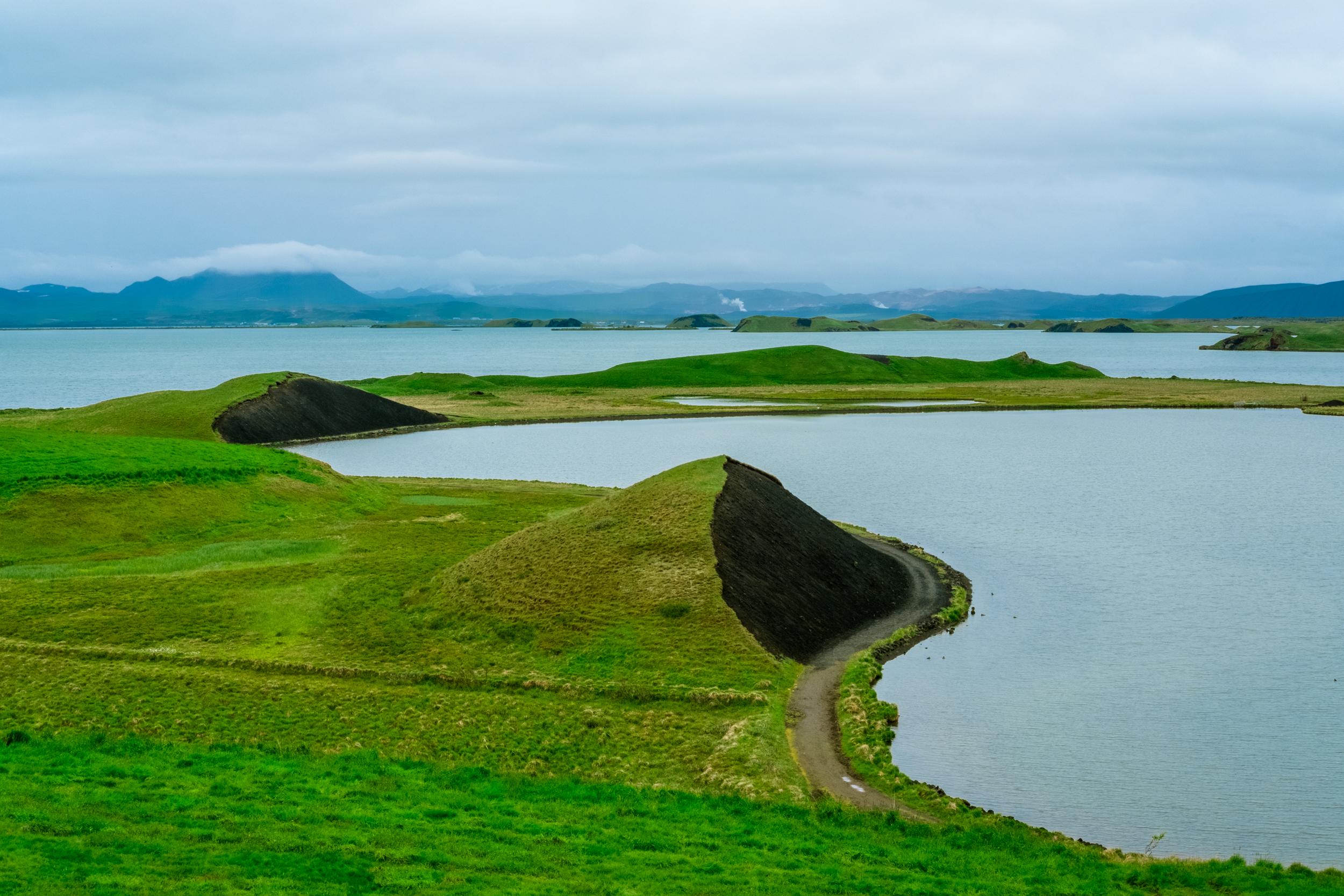 EH2337_Iceland-Lake.jpg