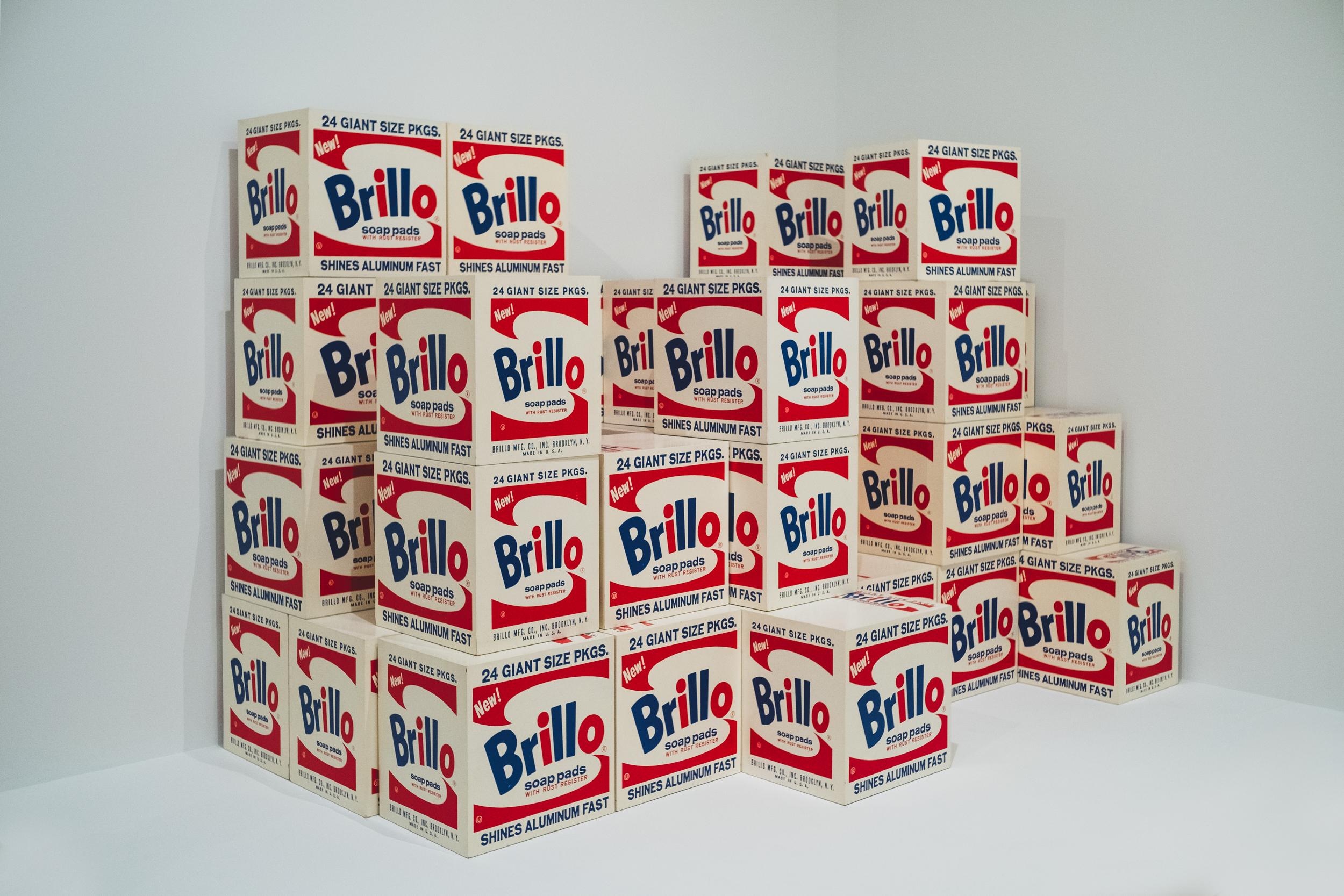 EH2347_Warhol-Brillo.jpg