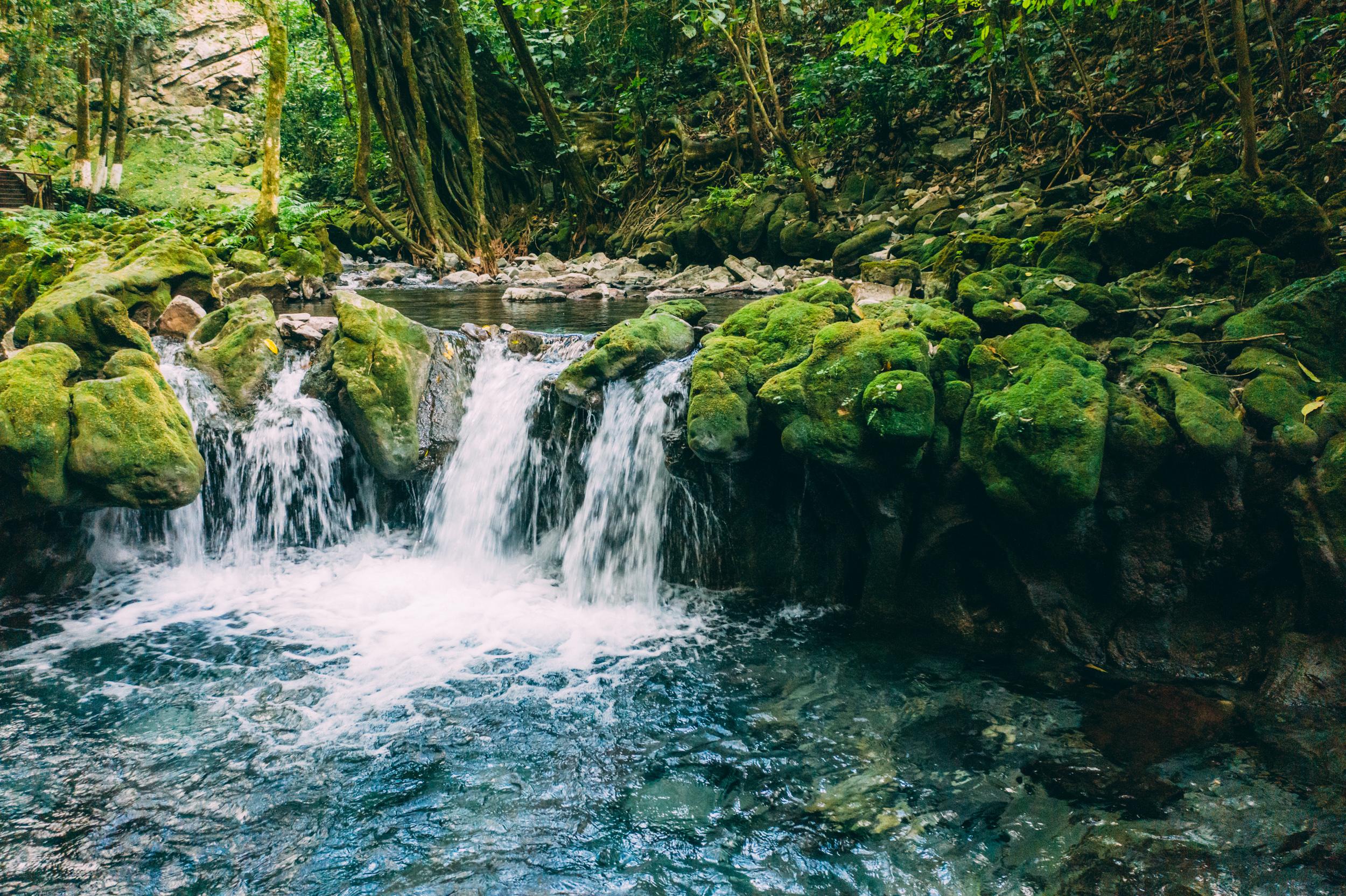JH9999_waterfall.jpg
