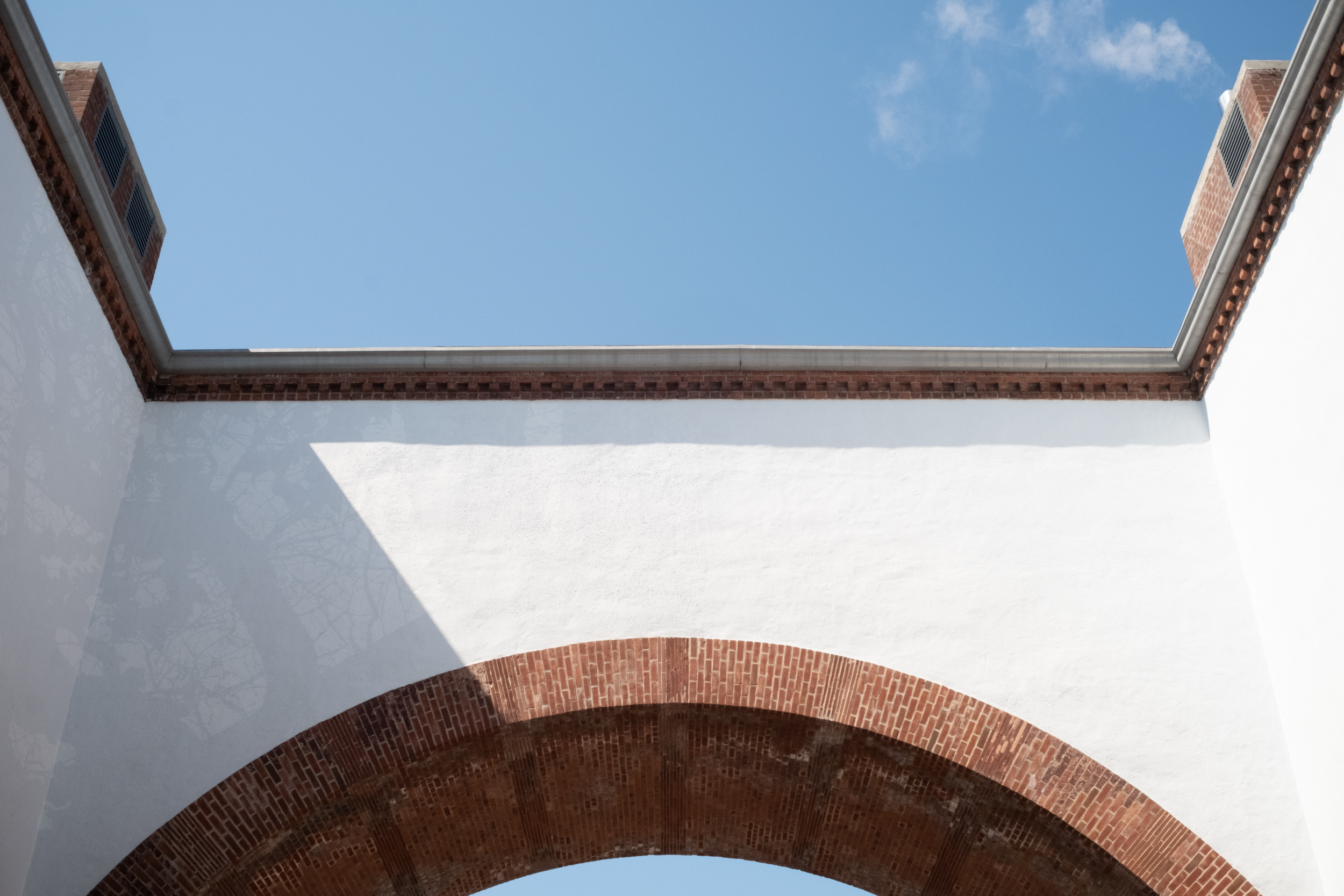 EH2457_Angles-And-Arches.jpg