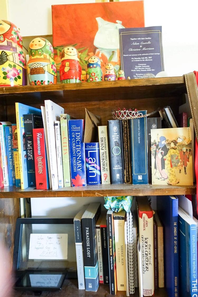 bookcase-art-display
