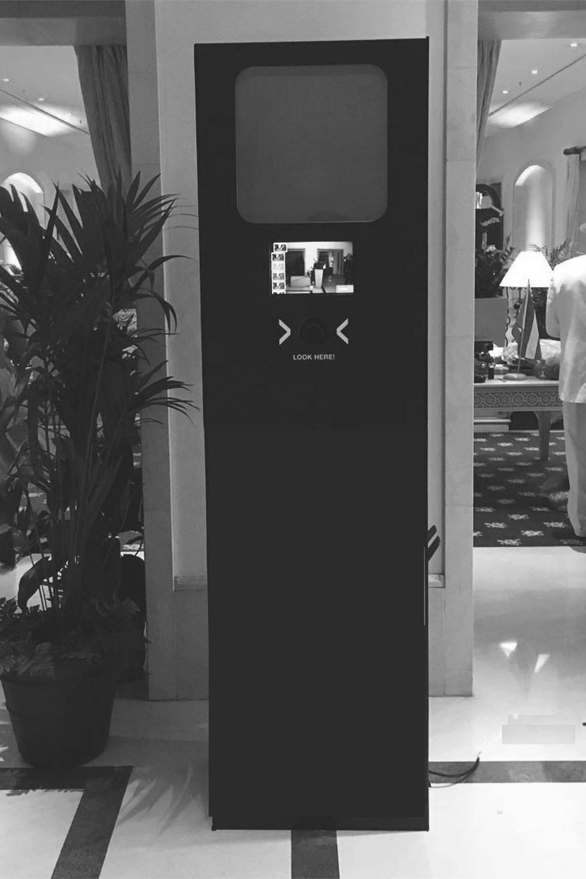 Regular Photobooth - Unser Klassiker, Ihr Canvas.Viel Platz für Ihr Branding und sonstige Kommunikation.