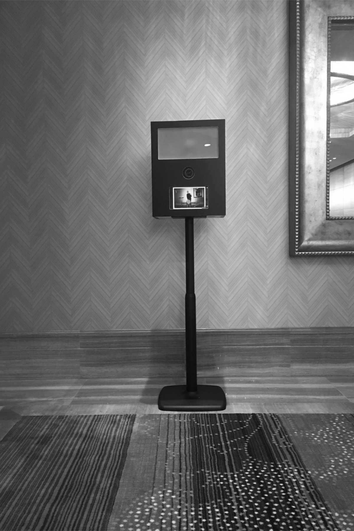 Dynamic Photobooth - Höhenverstellbar, kompakt, portabel.Ihr Modell für Situationen, wo Flexibiliät entscheidet.