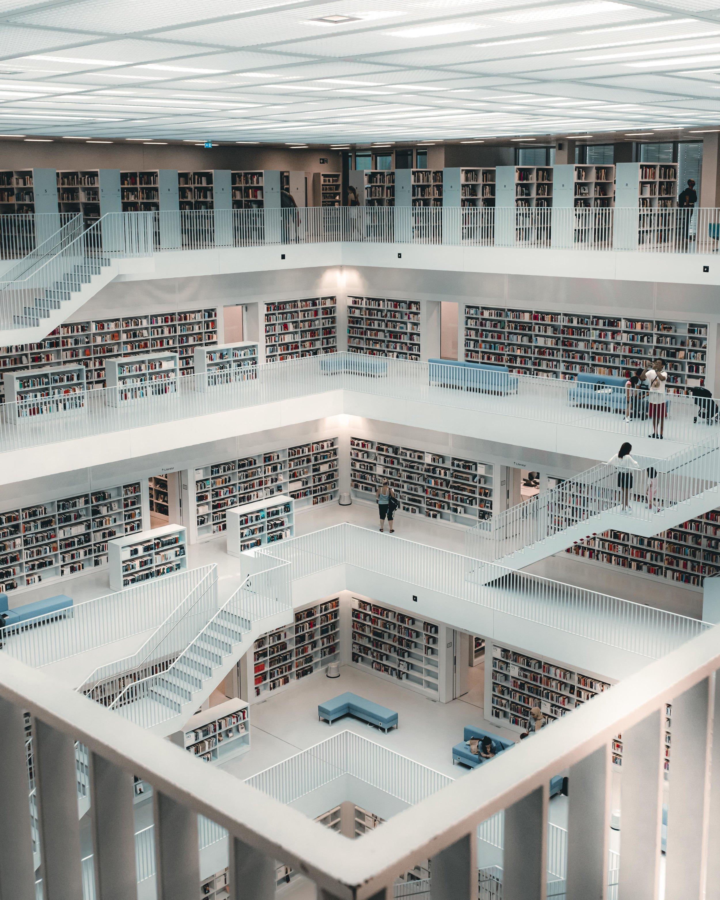 Stuttgart-Library-interior-1.jpg
