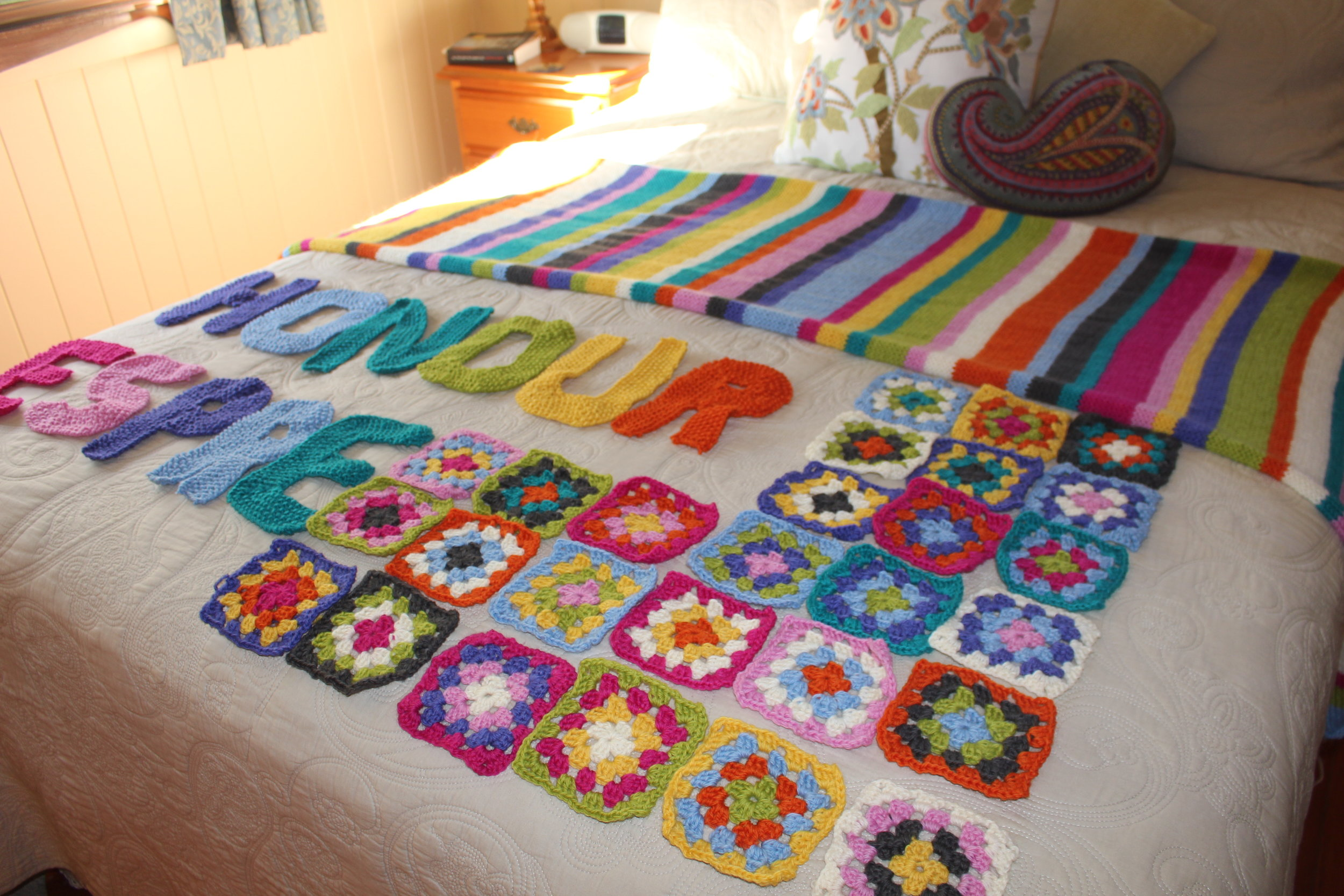 Start making some crochet squares and a few letters for the sign ...