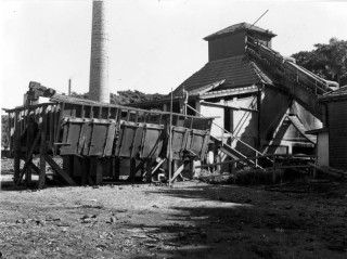 The decommissioned incinerator in 1949. (BCC-B54-213).