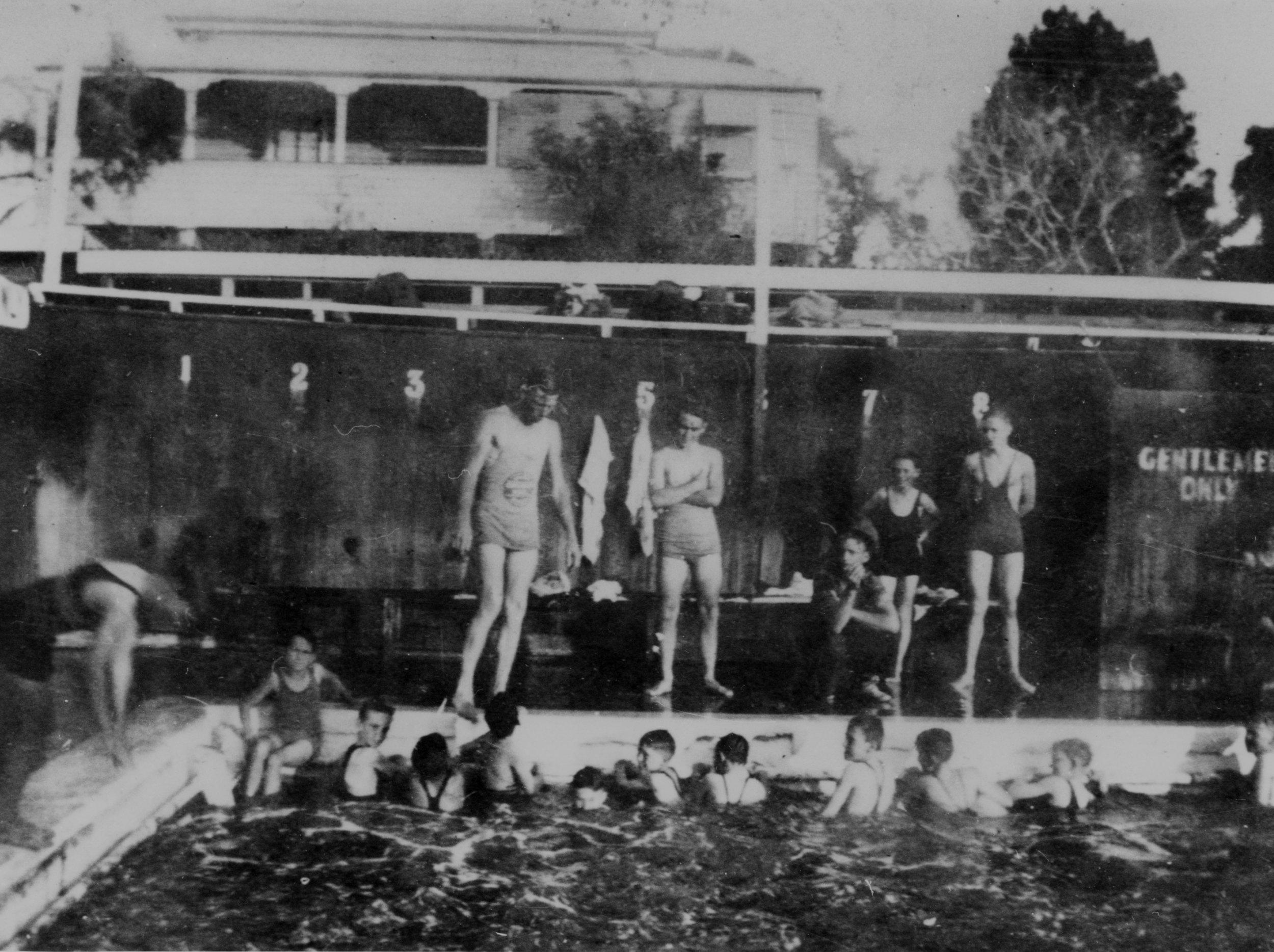 Bathers at the Davies Park Baths, photograph courtesy of the SLQ, neg no 60753