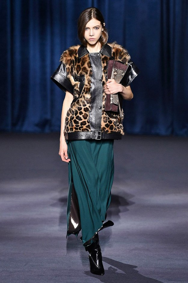 0_how-to-wear-leopard-prints-wiGivenchy 2018thout-looking-like-a-cougar-max-mara-tom-ford-givenchy-and-michael-kors-buro247.sg-8.jpg