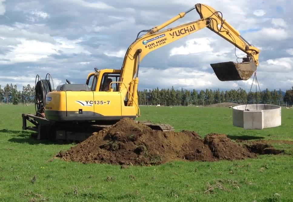 digger&trough.jpg