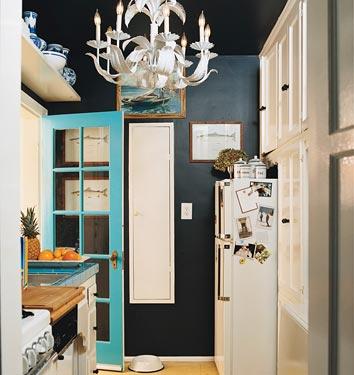 black-kitchen-walls-3.jpg