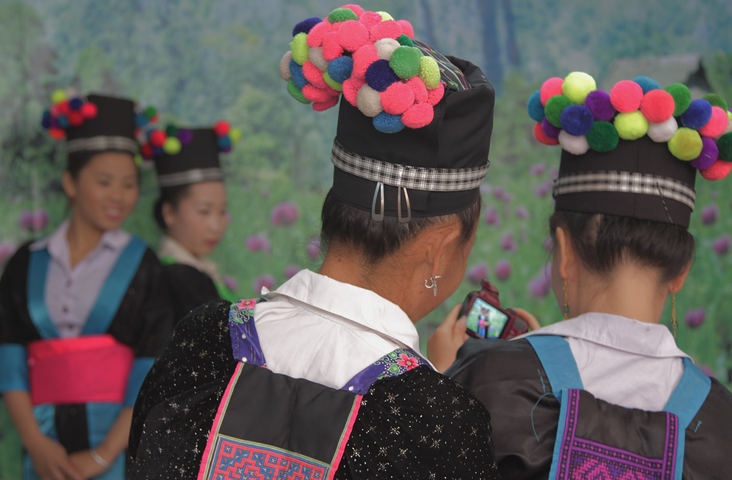 TRADITIONAL-HMONG-NEW-YEAR-LPB-KA-XIONG-13.jpg