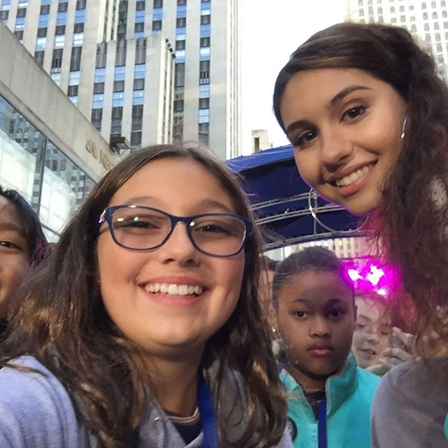Fun in cold at the @todayshow ❤️❤️❤️#internationaldayofthegirl @girlsmakegames thanks for all!!!