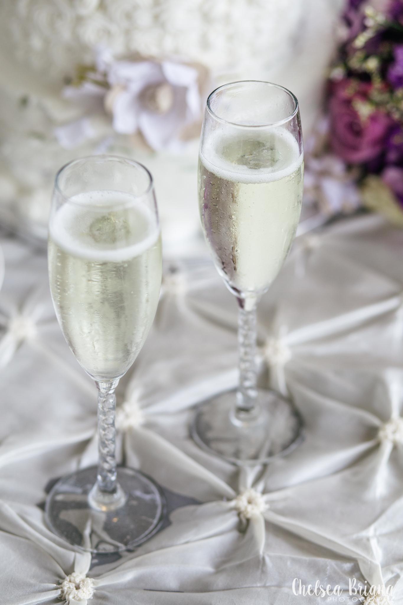 texas-wedding-champagne