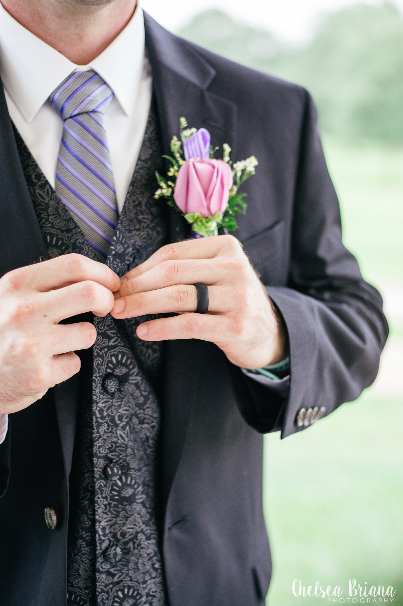 pink-groom-boutonniere