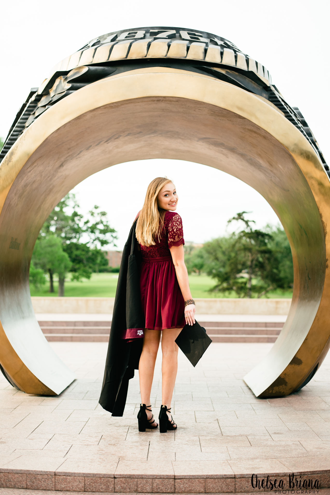 Aggie ring statue