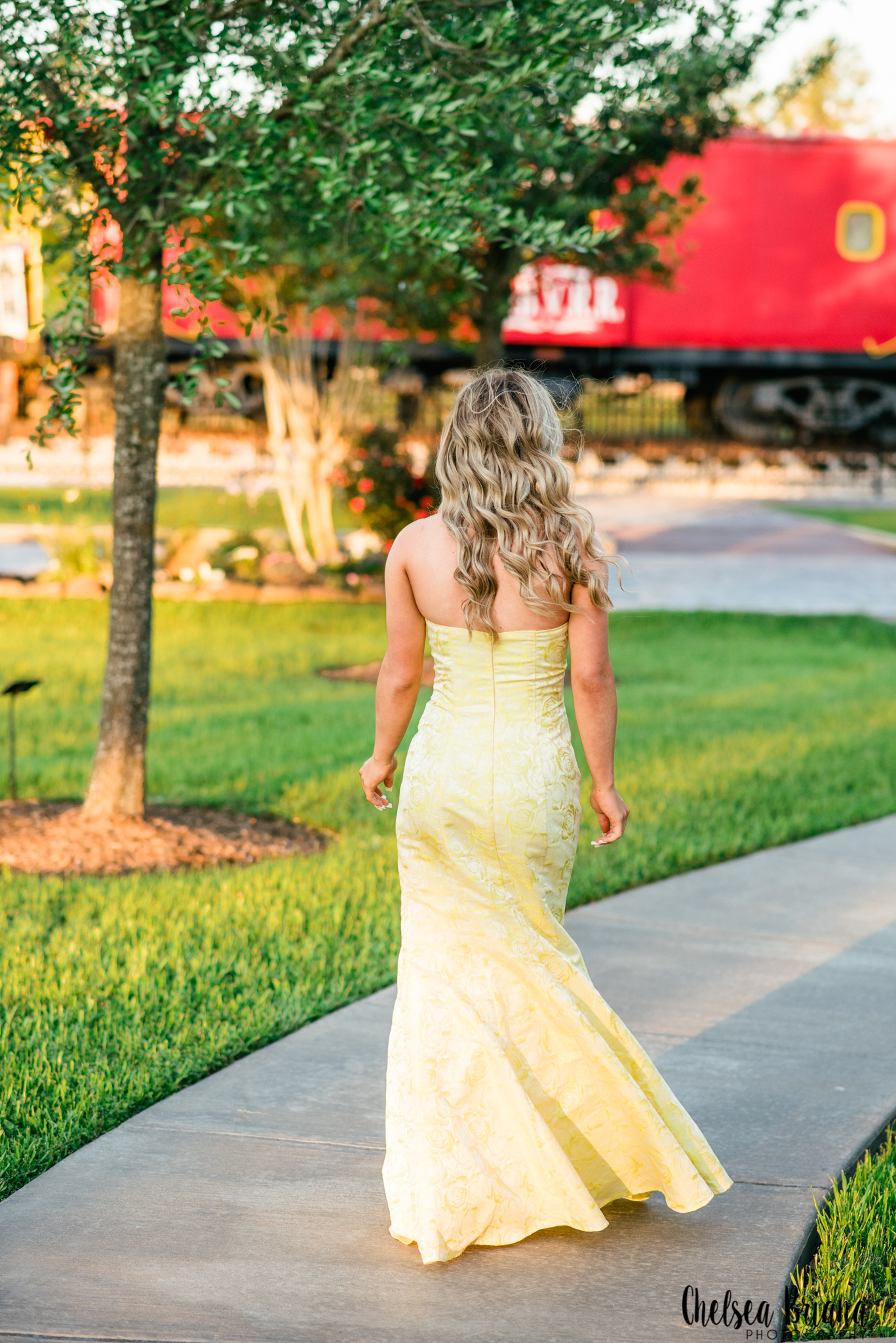 Tomball train depot senior pictures
