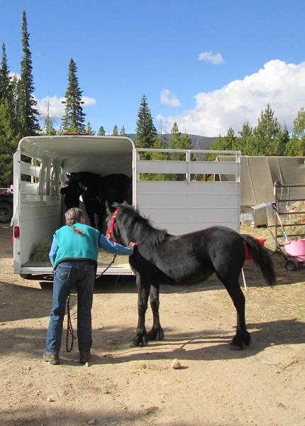 161002 Jen Emma loading2.jpg