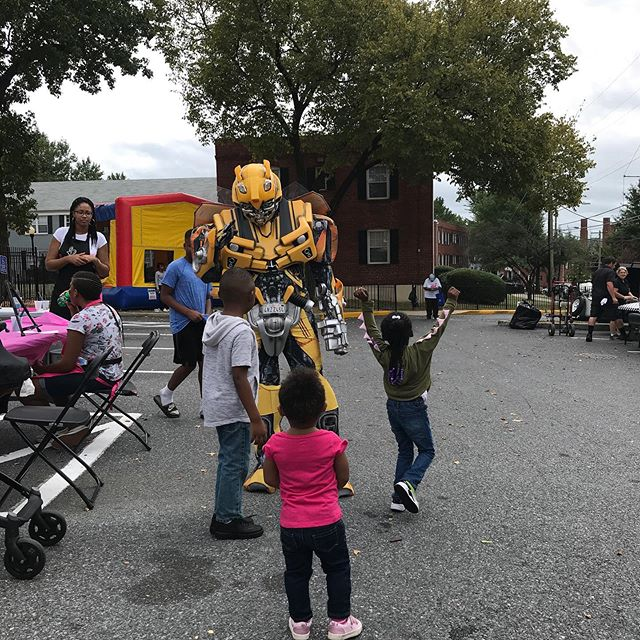 When Bumblebee makes a guest appearance at your event 🤷🏽‍♀️😂 #worthingtonwoodsdc #community #ward8