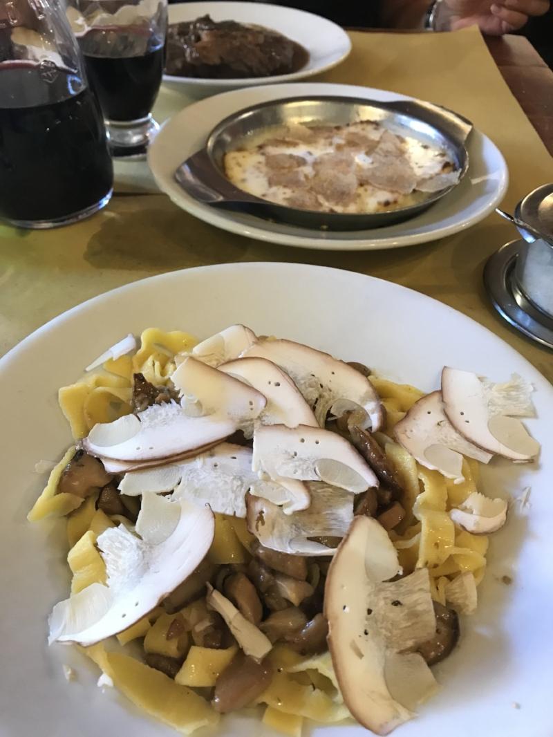 Porcini mushrooms + truffles divine!