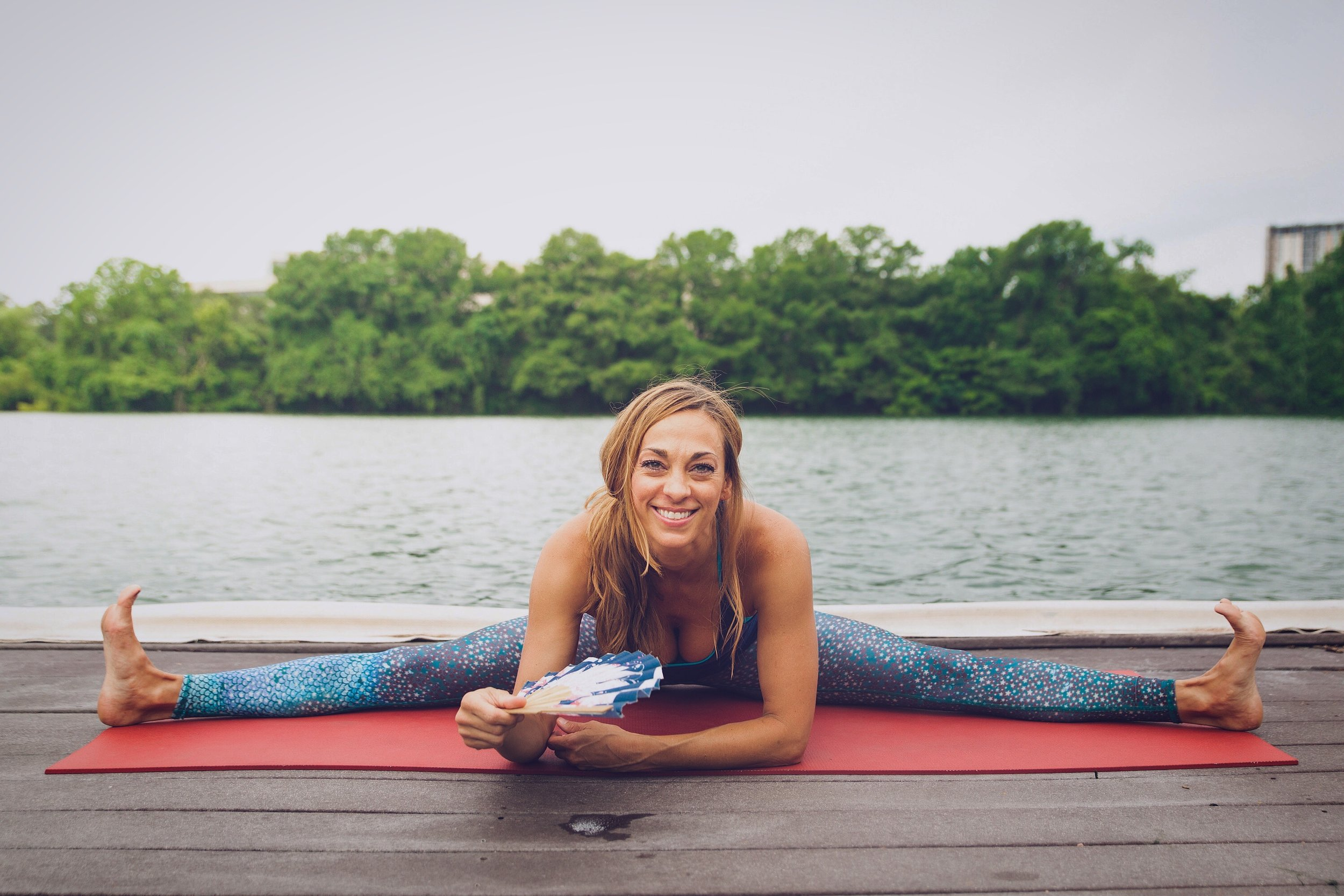 Leslie Bailey, creator of Namaste Y'all community yoga.  Her goal is to use yoga to build community and feed the basic needs of those going without.✌🏼❤️🙏   Connect on Instagram:    @lesliefromalabama    |    @namaste_yall_yoga