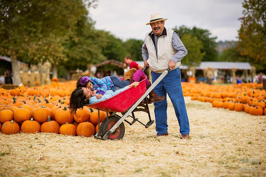 0062_cumple_suegro_bates-nut-farm-pumpkin-patch_101013-edit