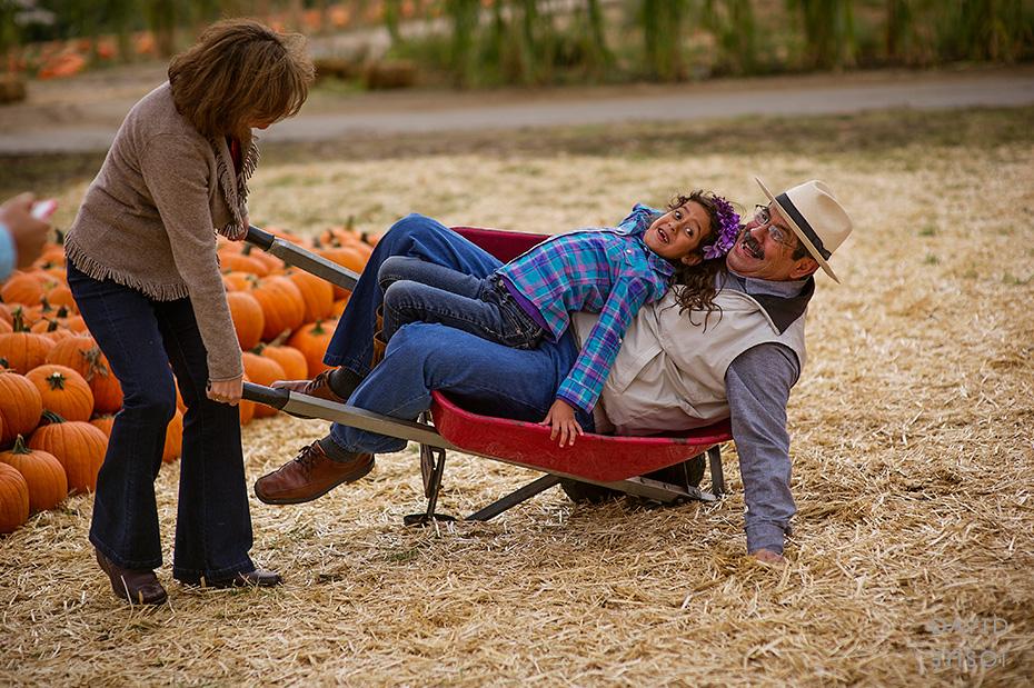 0068_cumple_suegro_bates-nut-farm-pumpkin-patch_101013-edit