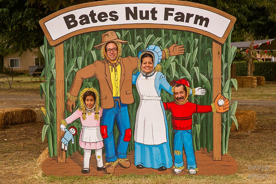 0089_cumple_suegro_bates-nut-farm-pumpkin-patch_101013-edit