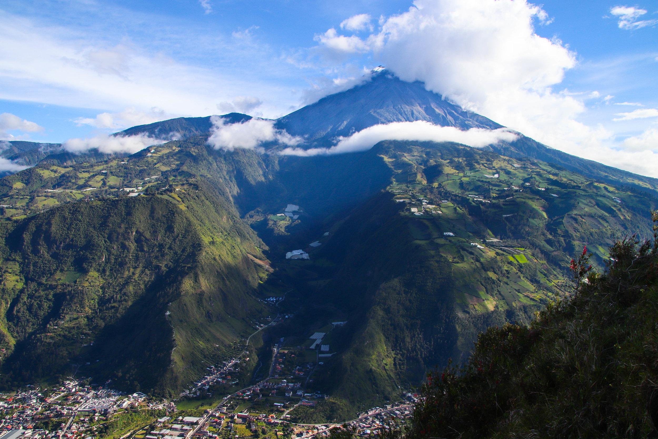 banos hike volcano