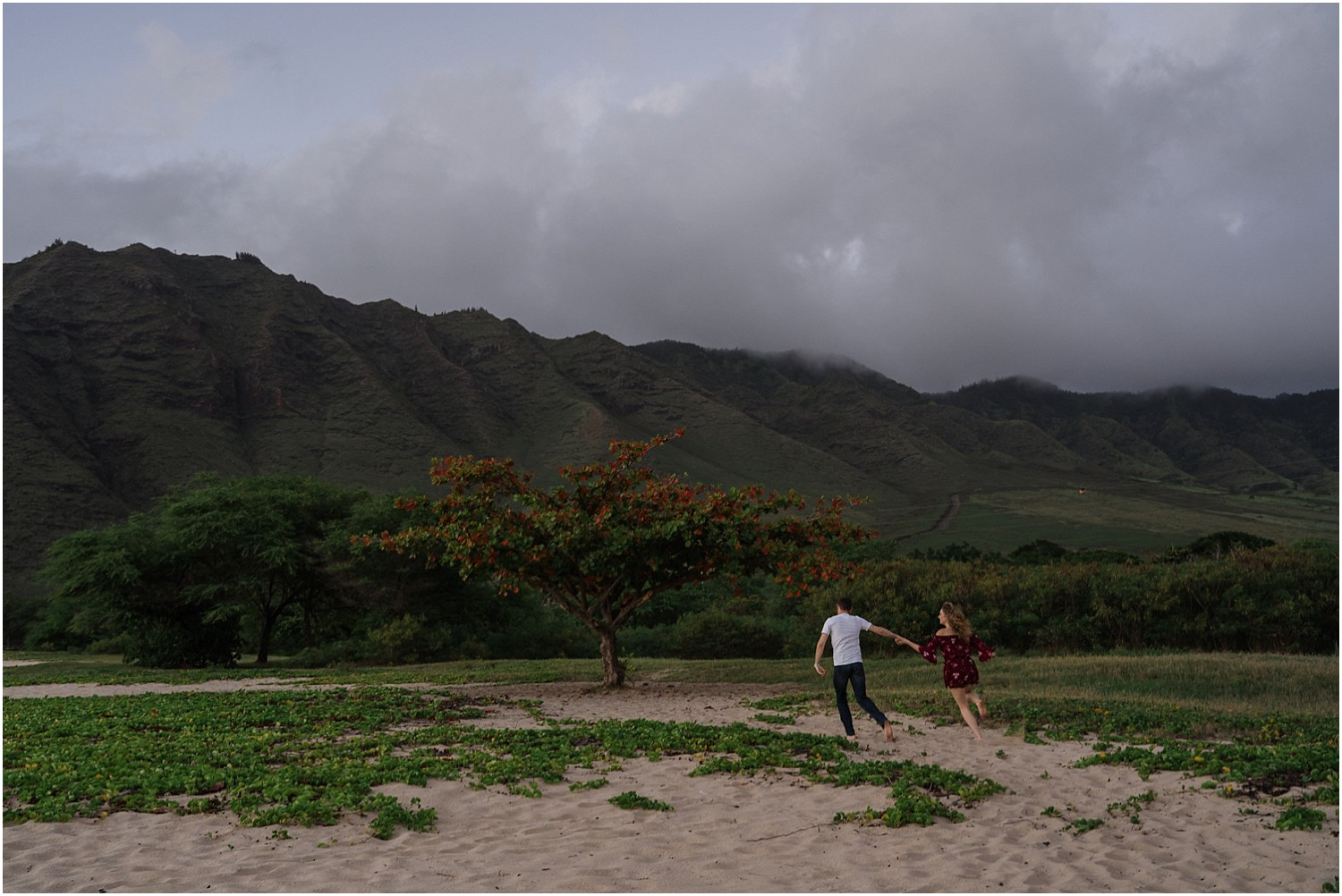oahu-adventure-engagement-photography-session10.jpg