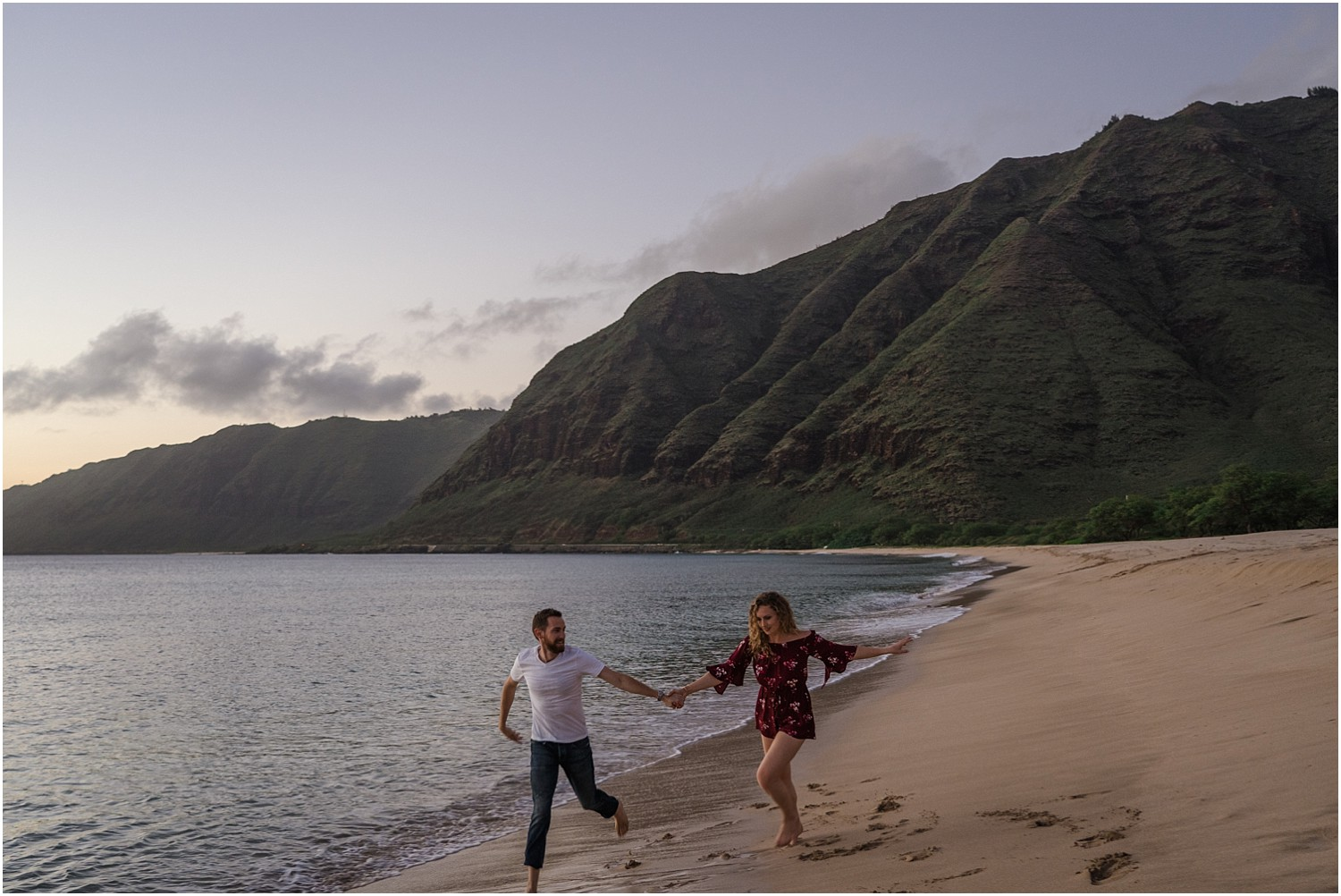oahu-adventure-engagement-photography-session12.jpg