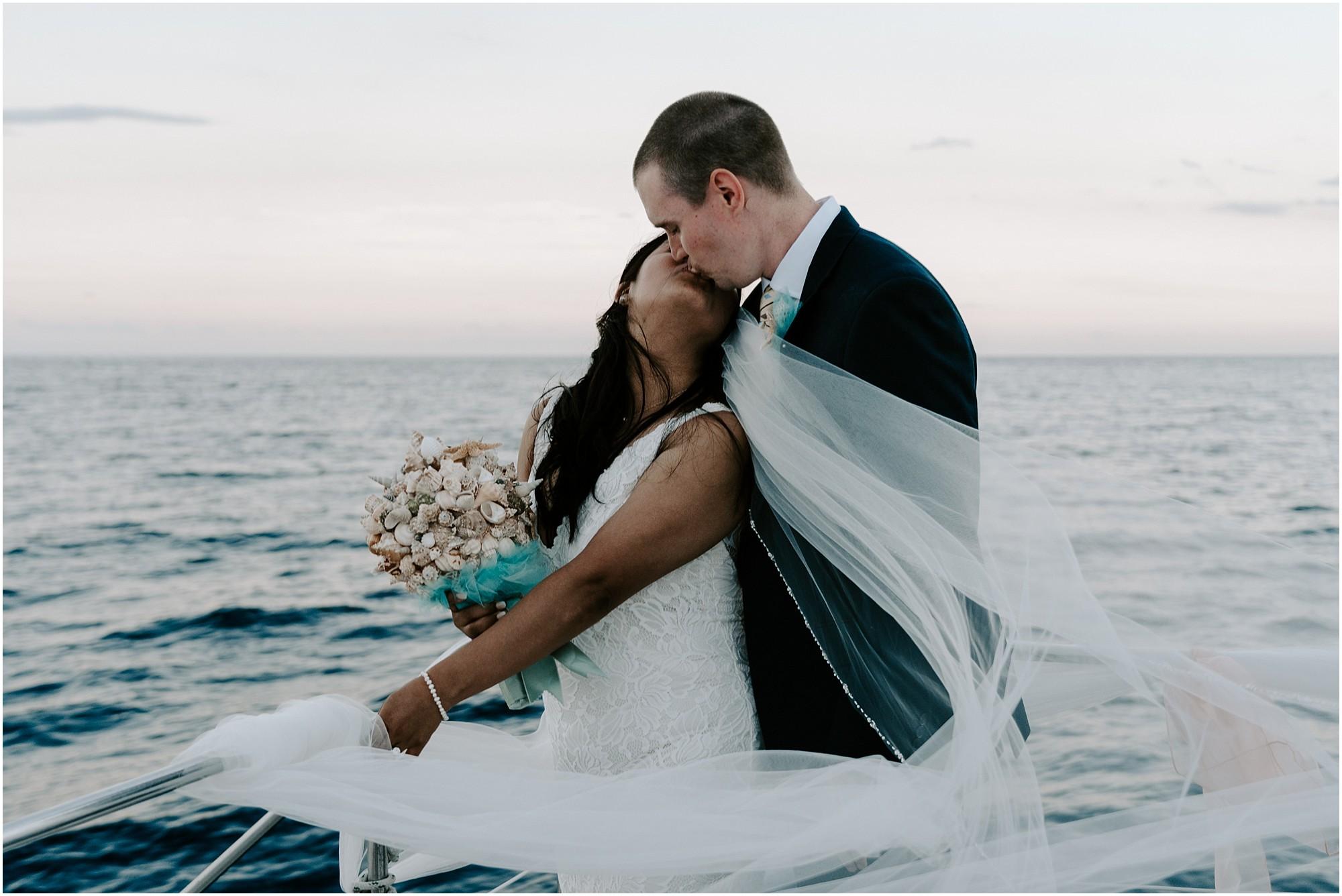 oahu-intimate-wedding-catamaran-honolulu_0024.jpg