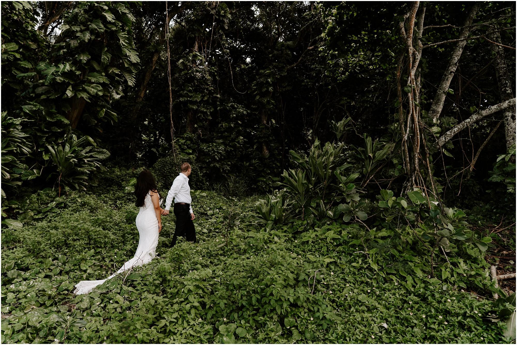 oahu-intimate-bridal-adventure-session_0009.jpg