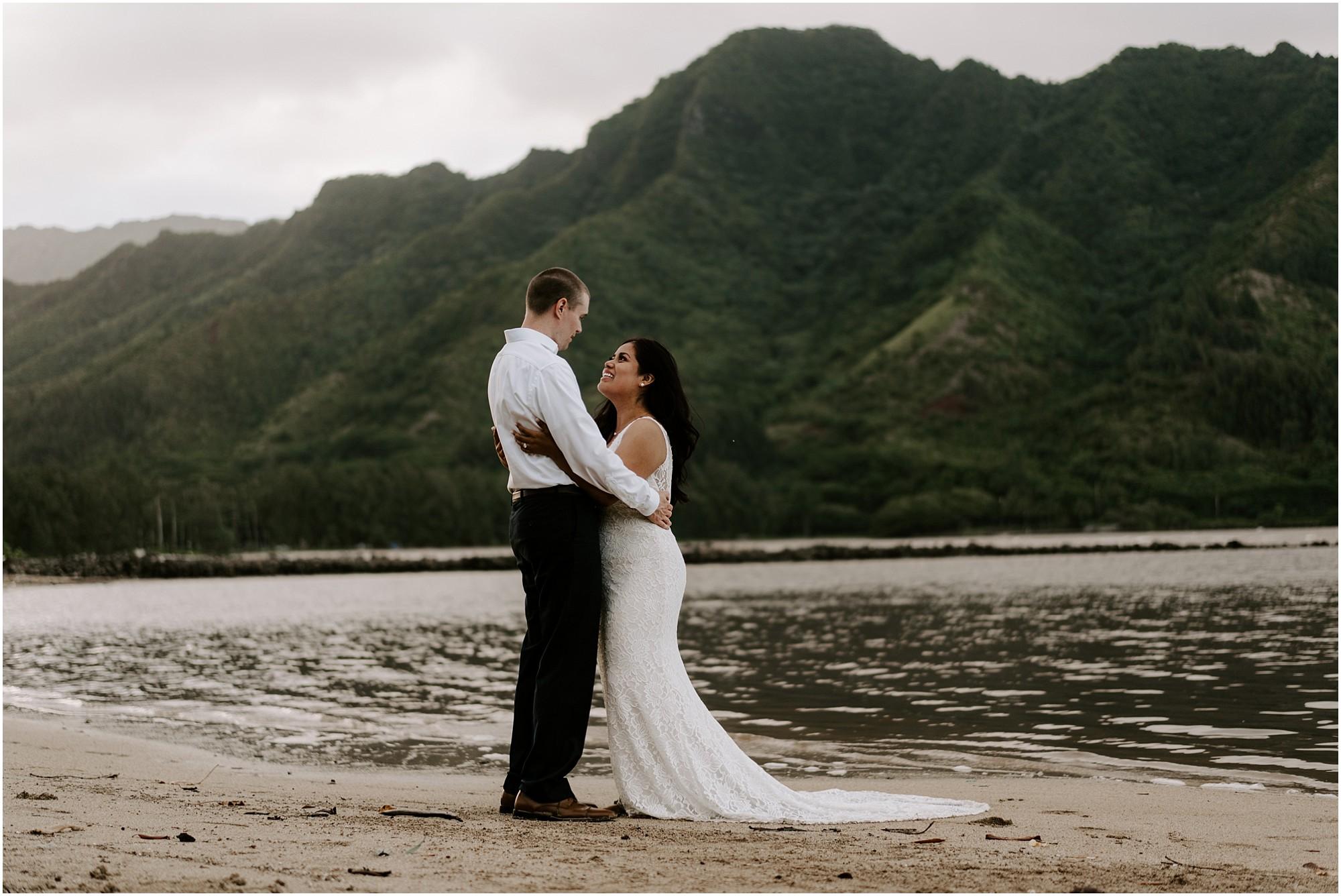 oahu-intimate-bridal-adventure-session_0018.jpg