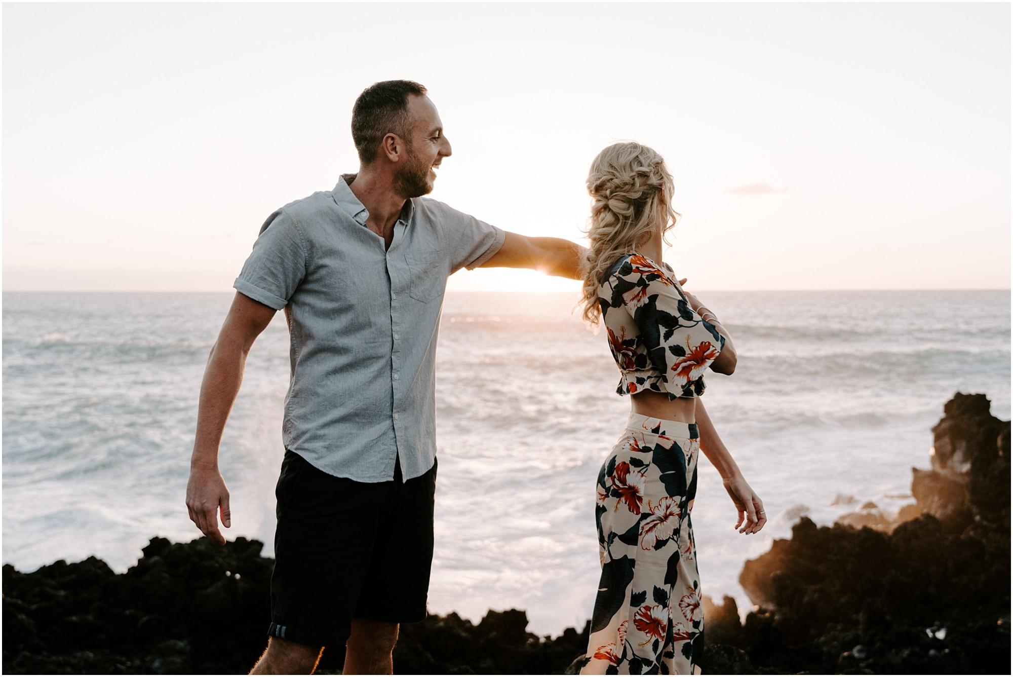 hawaii-elopement-photographer-adventure-engagement-session_0013.jpg