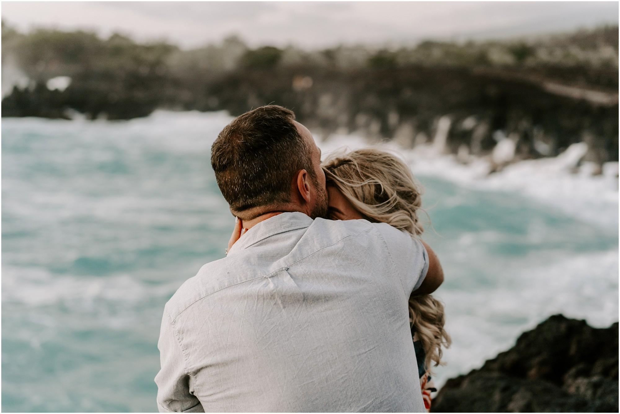 hawaii-elopement-photographer-adventure-engagement-session_0018.jpg